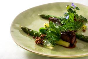 Schweinebäckchen - Grüner Spargel - Zitronenvinaigrette - Kräuter - Quinoa (13 von 18)-1655 - 23. Mai 2013 - 002