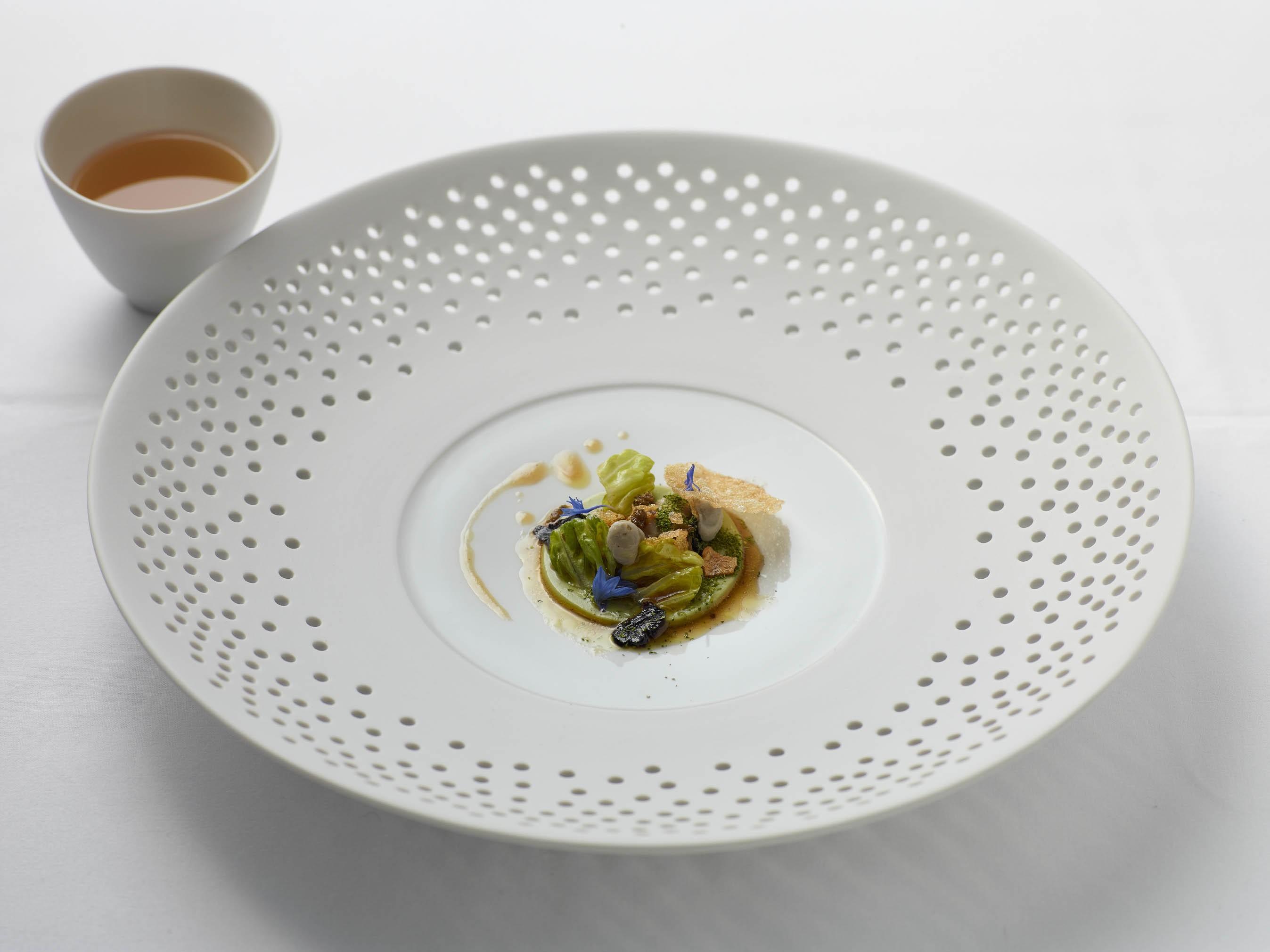 Tsarskaya Auster mit Parmesansud