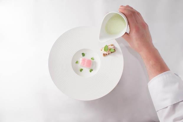 sauerampfersuppe | konfierter kabeljau | radieserl salat | graub