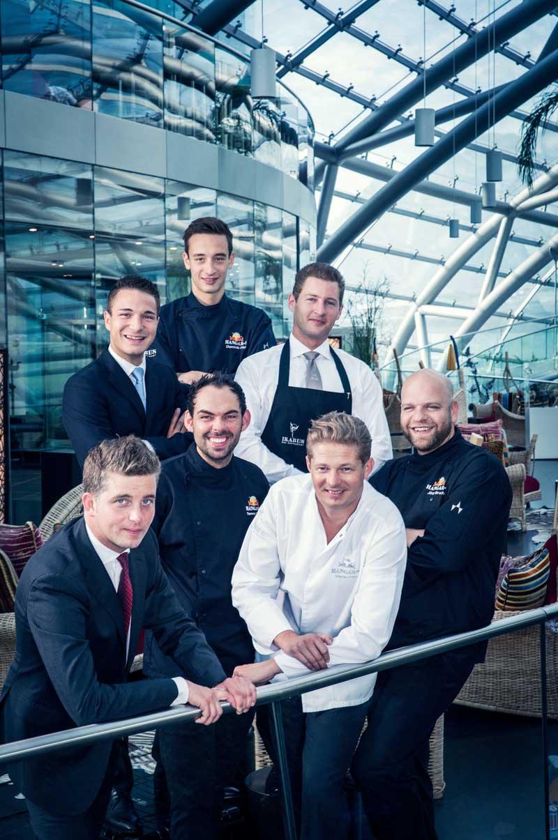Restaurant Ikarus Team, v.l.n.r. Matthias Berger, Florian Kempinger, Tommy Dananic, Martin Klein, Dominik Fitz, Daniel Kubini, JörgBruch | Restaurant Ikarus