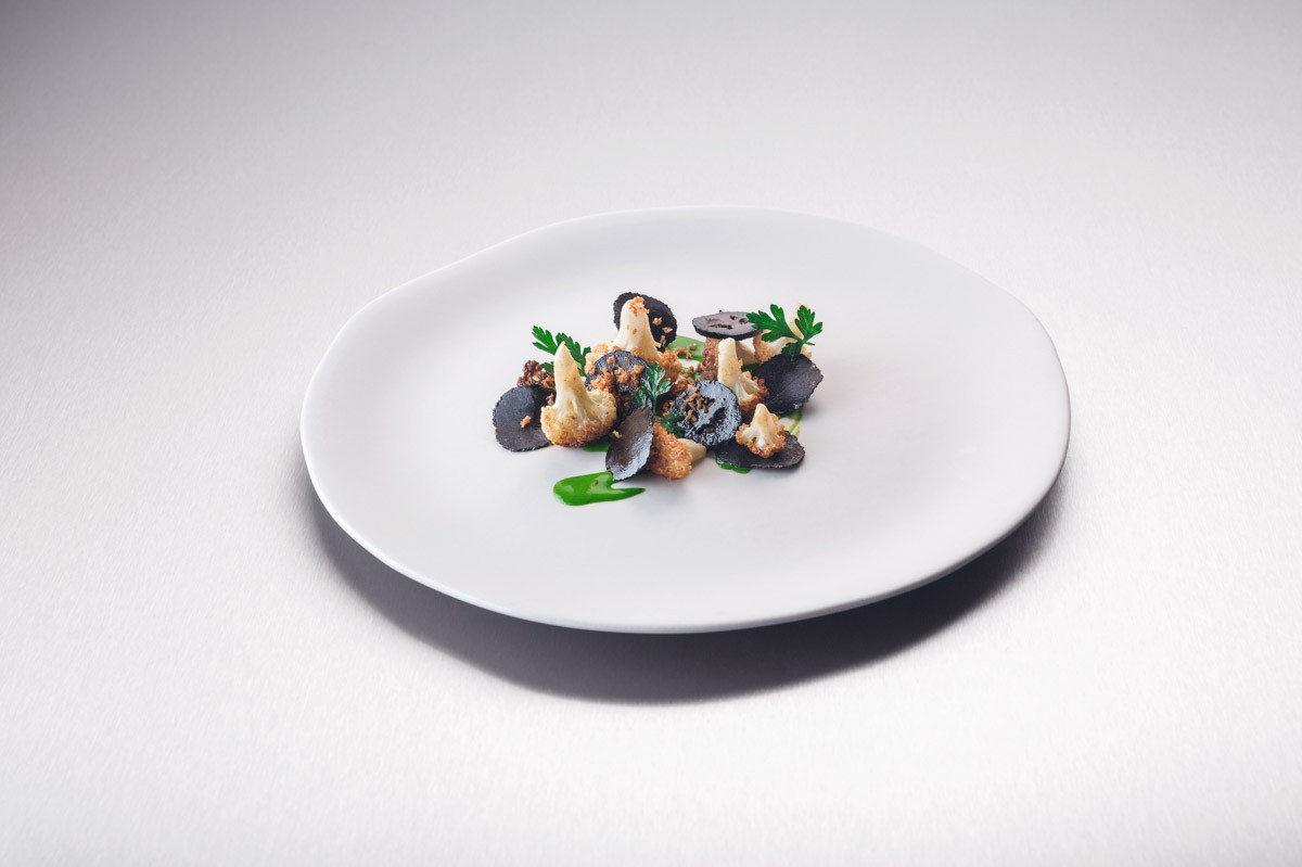 Gastkoch August 2015, Ben Greeno, Blumenkohl, Petersilie, Walnuss, Tr� | Guest Chef August 2015, Ben Greeno, Cauliflower, parsley, walnut, truffle