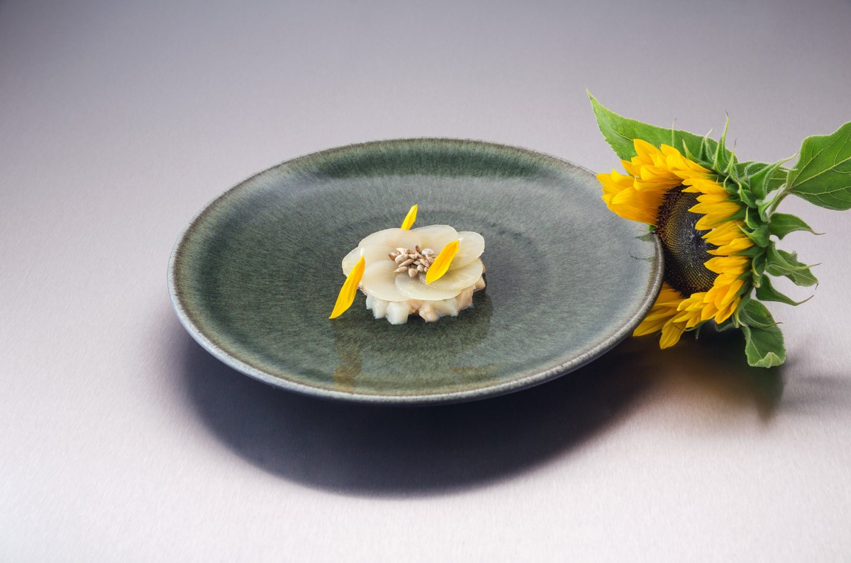Gastkoch August 2015, Ben Greeno, Topinambur, Birne, Sonnenblume | Guest Chef August 2015, Ben Greeno, Jerusalem artichoke, pear, sunflower