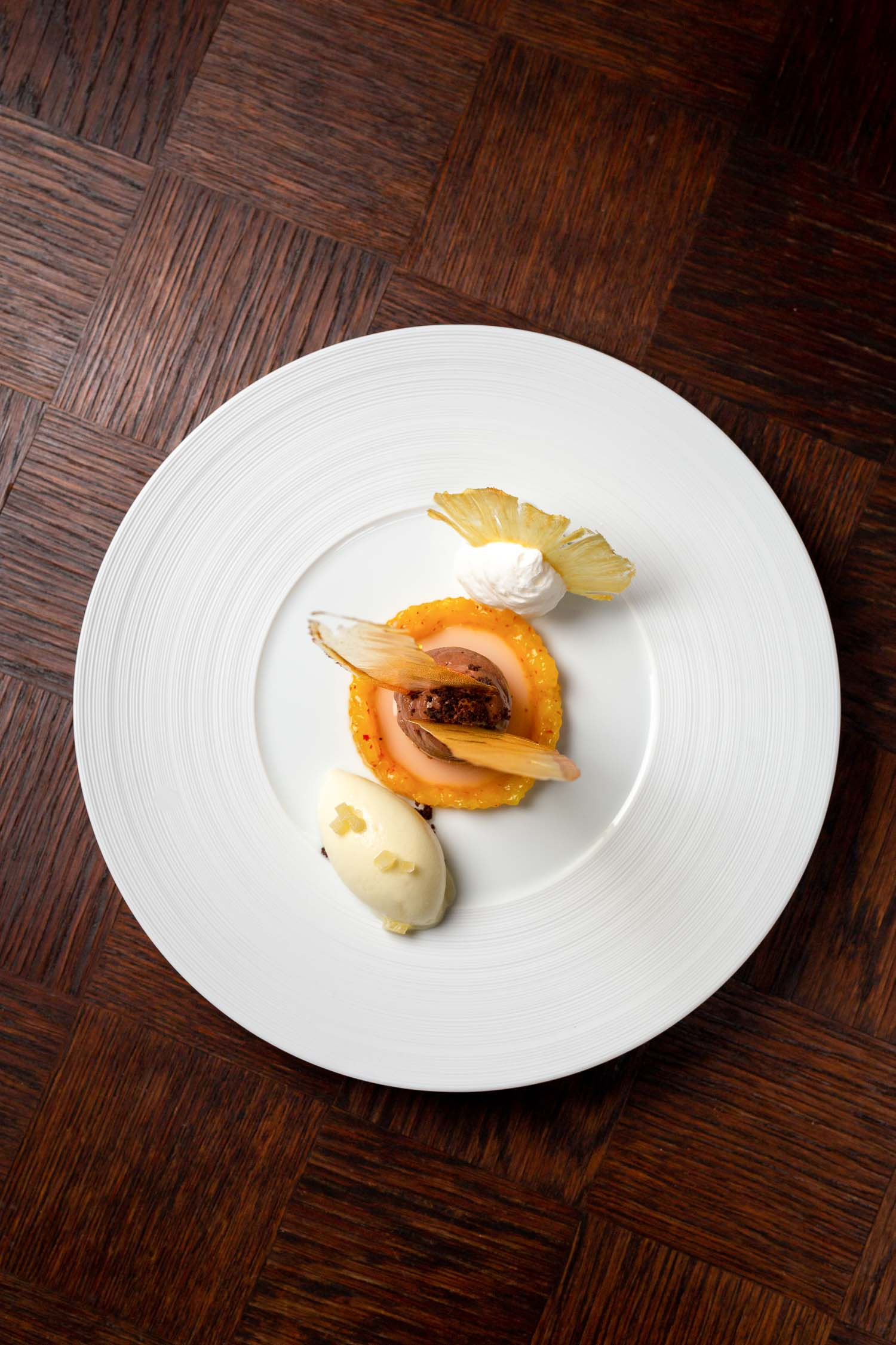 Nougatmousse und Ananassorbet